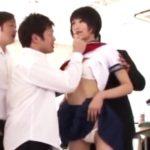 セーラー服JK・緒奈もえが時間停止させられ強制フェラ&肛門舐め!レイプもアリ